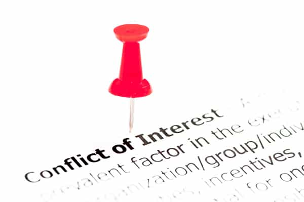 Investment Advisers and Disclosure of Conflicts of Interest Related to 12b-1 Fees